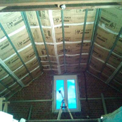 Plafond rampant et doublage
